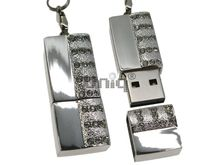 Флешка Uniq USB 2.0 ПОЛОСА УДАЧИ серебро / белый 4GB (04C14208U2)