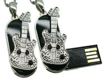 Флешка Uniq USB 2.0 МЕЧТА Гитариста серебро / черный 4GB (04C14459U2)
