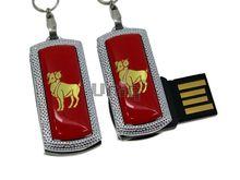 Флешка Uniq USB 2.0 ZODIAK MINI Овен красный (Aries) [металл, пластик] 4GB (04C14545U2)