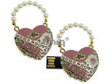 Флешка Uniq USB 2.0 СУМОЧКА Жемчужное Сердце золото инкруст+розов.эмаль 30гр. 4GB (04C14619U2)