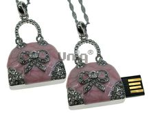 Флешка Uniq USB 2.0 СУМОЧКА Бантик розов. перламутр,.инкруст. 38гр. 4GB (04C14662U2)