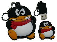 Флешка Uniq USB 2.0 ПИНГВИН Танцующий красн шарф, противоударн. Резина 4GB (04C14894U2)