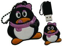 Флешка Uniq USB 2.0 ПИНГВИН Девочка с розов. бантом, противоударн. Резина 4GB (04C14896U2)