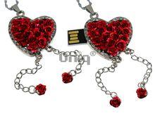 Флешка Uniq USB 2.0 СЕРДЦЕ ИЗ РОЗ, цепочки, красное, инкруст.96кам. Водонепр. 4GB (04C17158U2)