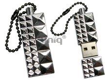 Флешка Uniq USB 2.0 СТАЛЬНЫЕ ГРАНИ серебро [металл] 4GB (04C17876U2)